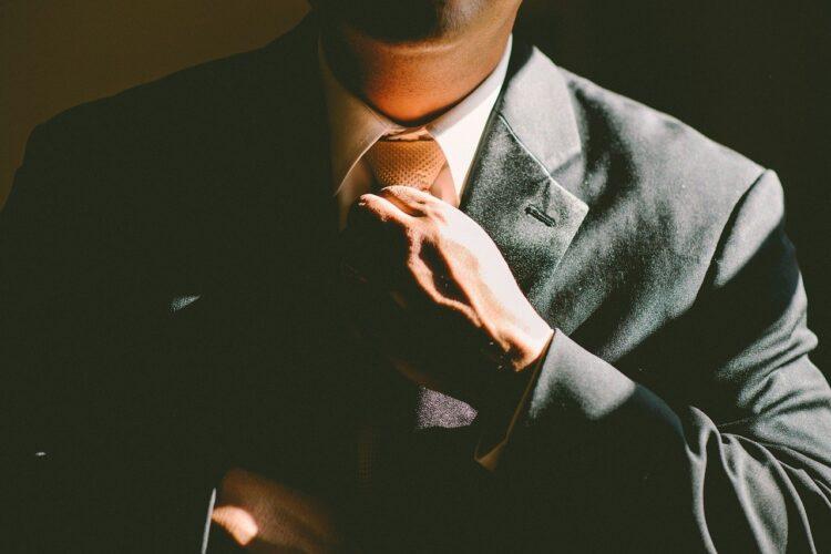 【元トップ営業マンが教える】仕事ができる人になる方法と特徴7選